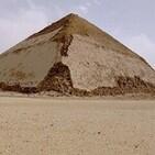 Desmontando la historia T4: El misterio de la pirámide curva